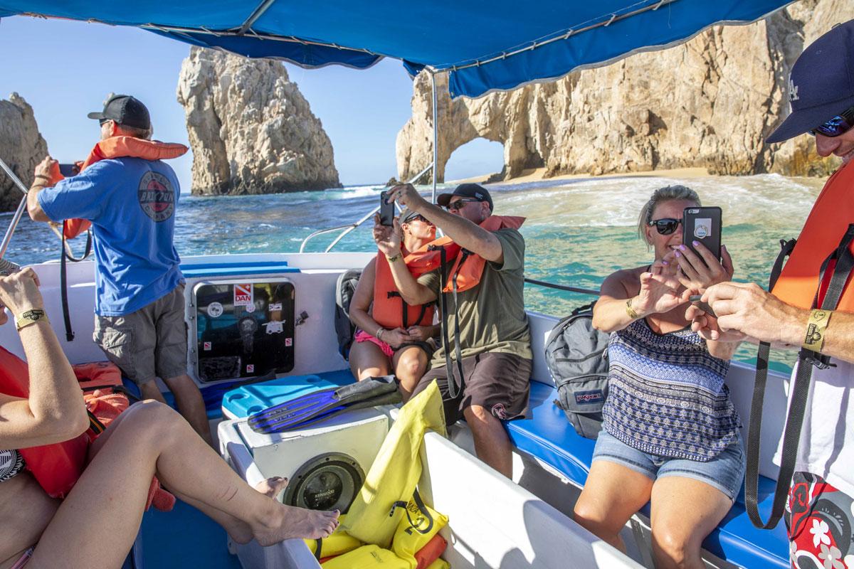 Esperanzas Tours Los Cabos Encounter ARch Photo Time